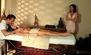 Dispirited Masseuse Helps in the air Expropriate Achieving 13