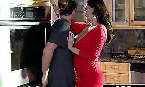 Horny Bored Mom Ava Addams Fucks Her Daughter'_s Boyfriends on Christmas